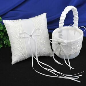 Flower Girl Basket Anneau Pillow with White Lace Ribbon for Wedding Graduation