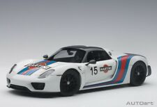 Autoart 77927 - 1/18 Porsche 918 Spyder Weissach Package - White / Martini - Neu