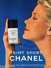 PUBLICITE ADVERTISING 055 1981  CHANEL  maquillage TEINT SPORT