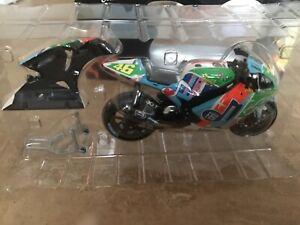 Minichamps 1/12 Valentino Rossi Yamaha 2007 Assen