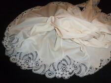 jolie combinaison&fond de robe vintage jolie dentelle  taille 44 ref AZ62