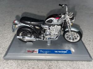 Maisto Triumph Thunderbird Model With Stand