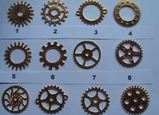 6 STEAMPUNK COGS AND GEARS ALL ARE 25mm  AND THE ALLOY IS GOLD COLOUR