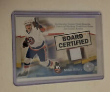 01/02 greats of the game mike bossy board certified arena relic
