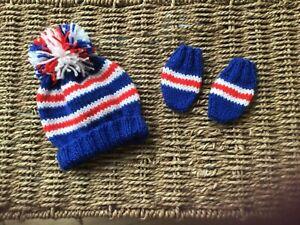 NEW HAND KNIT  GLASGOW RANGERS FC UNISEX POM POM HAT AND MITTS IN NEWBORN BABY