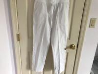 Woman's Talbots size 6 petite white 100% cotton drawstring pull on pants