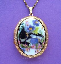 Porcelain CALICO CAT with YARN CAMEO Costume Jewelry GT Locket Pendant Necklace