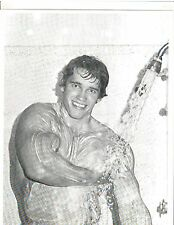 ARNOLD SCHWARZENEGGER 7x Mr Olympia Taking A Shower Muscle Photo B&W
