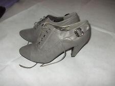 Schuhe Stiefeletten Ankle Boots grau 7,0 40 Neu