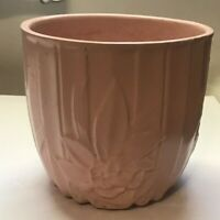 NELSON MCCOY ART POTTERY VINTAGE PINK PLANTER POT VASE JARDINERE LEAVES BERRIES