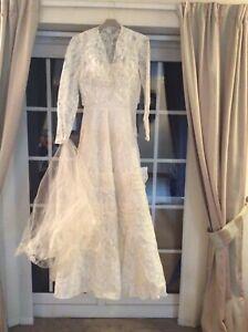 Vintage Wedding Dress 10/ 12 Vintage Textiles. Handmade Vintage Wedding Gown V32
