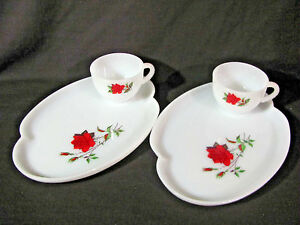 Federal Glass Dura-White Rosecrest 4 pc Snack Plate Set-2 Plates and 2 Cups