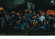 PUBLICITE ADVERTISING  2005   ADIDAS   ( 2 pages)  vetements sport DJBRIL CISSE
