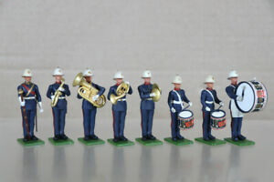 BRITAINS EYES RIGHT PLASTIC ROYAL MARINES MARCHING BAND with DRUM MAJOR oa