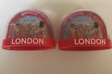 Lot of 2 London Great Britain Snow Ball Bear Guards Snow Globes A0128