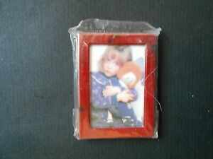 """Unbranded 1-7/8"""" x 2-1/2"""" Red Rectangle Picture Frame"""