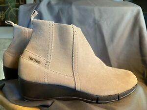Crocs Womens Stretch Sole Wedge Bootie Shoes Size 10 200881 Tumbleweed Espresso