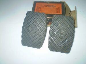 1938-39-40-41-42-46 NASH PEDAL PADS IN BOX PAIR BRAKE CLUTCH