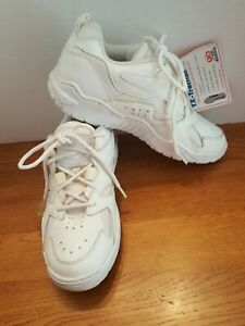 TURNTEC WOMEN'S SNEAKERS SHOES LEATHER WHITE USA SZ 8.5 B NEW