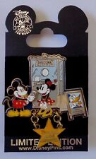 Disney DLR Featured Artist Collection 2006 Mickey and Minnie at the Movies Pin