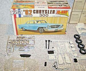 Jo-Han USA OLDIES 1962 Chrysler 300 Hardtop Kit #C-4062 missing the body