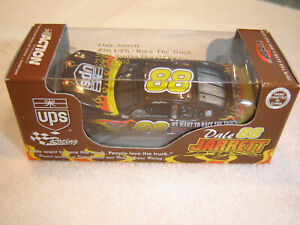 #88 Dale Jarrett 2001 UPS / RACE THE TRUCK 1/64 Action RCCA H/O Diecast NEW