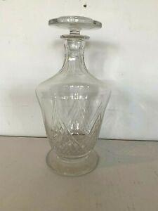 Carafe en cristal taillé  de la maison  Baccarat XX siècle