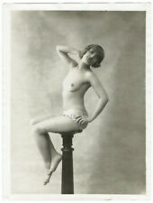 Photo 4 tirages 24x18 curiosa 1930- pin-up - Femmes statue -Armant Siskev