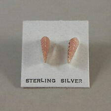 *ZUNI MADE* S/S PINK MUSSEL ETCHED LEAF EARRINGS