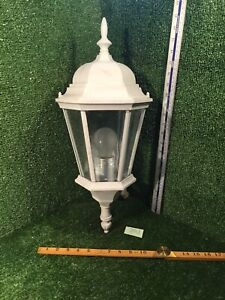 VINTAGE STYLE PORCH/OUTSIDE WALL-MOUNTED LIGHT/LAMP/LANTERN