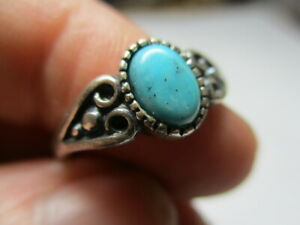 STERLING SILVER 925 ESTATE VINTAGE PETITE BLUE TURQUOISE HEART RING SIZE 6