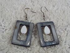 Gray Rectangle Sea Shell Pierced Earrings (A73)