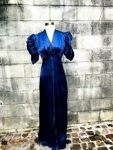 1930's Vintage Rayon Satin Dressing Gown W/ Adorable Sleeves sm.