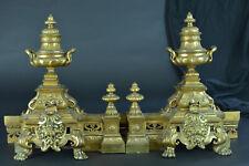 Grande Ancienne Garniture Cheminé Chenets Louis XIV Lions Pot à feu Bronze doré