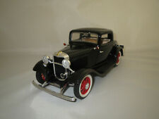 """Road Legends  Ford 3-Window Coupè  """"1932""""  (schwarz) 1:18 ohne Verpackung !"""