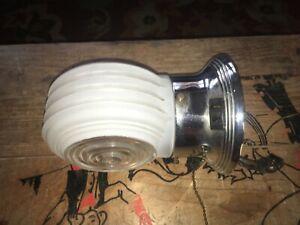 Vintage Art Deco Wall Mount Bath Light Fixture Milk Glass Single Globe