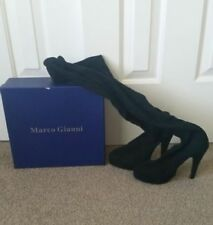 Solid Suede Women's 7 US Shoe