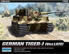 Academy 1/35 German Tiger-I Ver. Late Army Tank Armor Plastic Model Kit 13314
