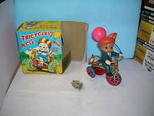 "wind up clockwork  tricycle a clé  "" happy days "" tin toy made in korea en boite"