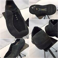 Keen Slip On Shoes Sz 8 Women Gray Leather Minor Wear YGI B9S-82
