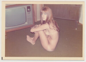 LONG HAIR REDHEAD WOMAN CAUGHT WATCHING TV NUDE vtg 60's COLOR FEMALE photo