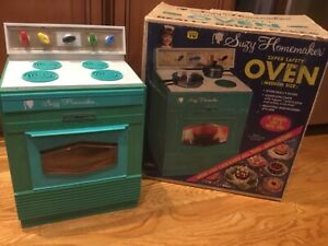 Vintage Suzy Homemaker Oven Stove 1968 Mid Century Topper Toy Lights & Box