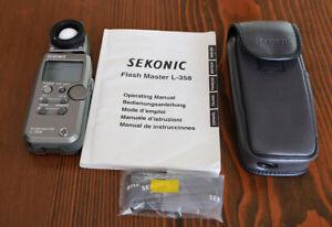 Sekonic L-358 Flash Master light meter w/Radio Triggering and new battery