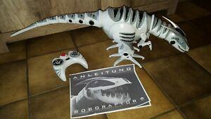 WowWee Roboraptor 8095 Ferngesteuerter Roboter Dinosaurier 25cm Höhe/80cm Länge