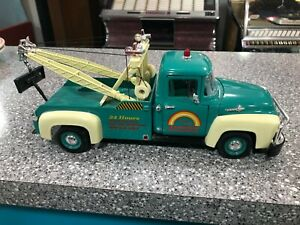 Welly 1956 Ford F-100 Tow Truck Rainbow Road Service 1:18 Diecast No 9834