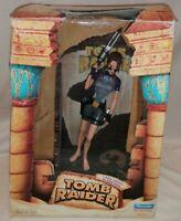 TOMB RAIDER - *Boxed* Playmates Tomb Raider Lara Croft In Wet Suit Diorama 1998