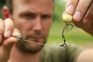 3  Ronnie Rigs (Spinner rig)  Korda boom, Teflon hooks, pop up, wafter carp rig