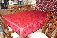 Vintage Christmas Tablecloth with set of 4 Matching Napkins - Free Shipping