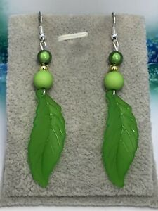 Silver Plated Lucite & Bead 💚 Dangle Earrings 💚 Perfect Gift