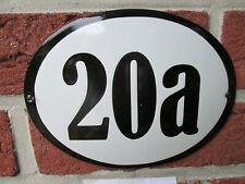Hausnummer Oval Emaille schwarze Zahl Nr. 20a  weißer Hintergrund 19 cm x 15 cm